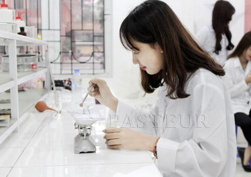 Ngành xét nghiệm hiện nay đóng vai trò quan trọng trong hệ thống ngành Y tế