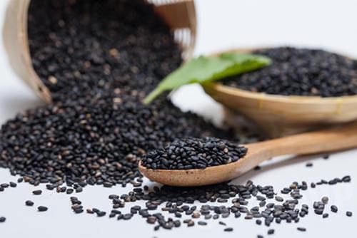 Lợi ích tuyệt vời của mè đen đối với sức khỏe con người