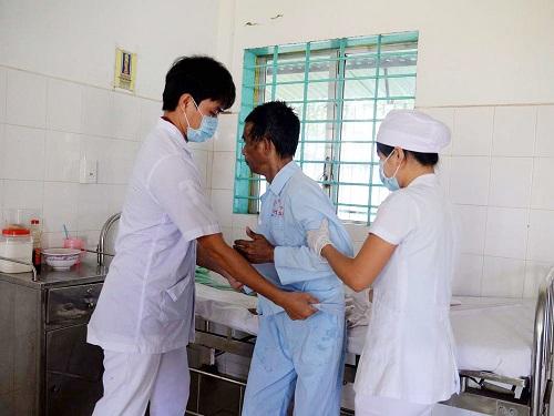 Điều dưỡng viên giỏi là người có chăm sóc bệnh nhân chu đáo