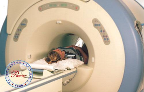 Chụp cộng hưởng từ giúp phát hiệcác trường hợp dương tính với chụp x quang vú.