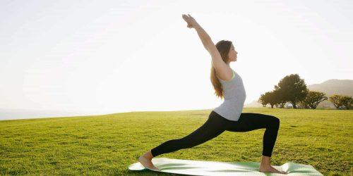 Duy trì các bài tập nhẹ giúp giữ cho xương sống khỏe mạnh